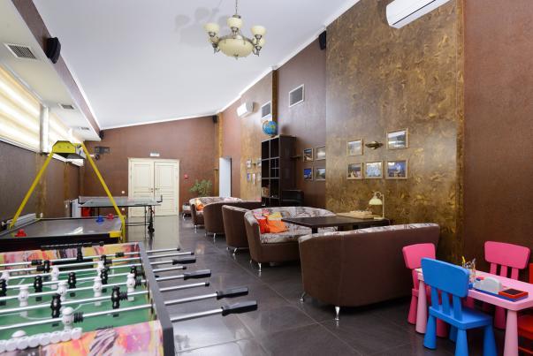 """Бизнес-отель """"Империал"""": Игровая зона"""